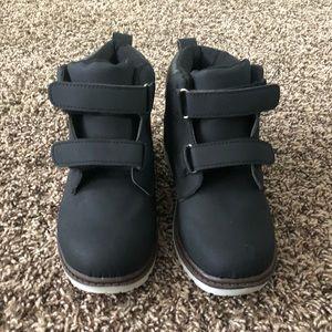 Kids boots size 11 runner